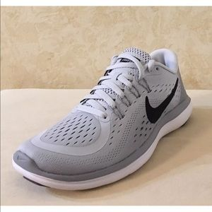half off 0e421 4ef11 Nike Shoes - Brand new gray Nike running shoes 😍👟